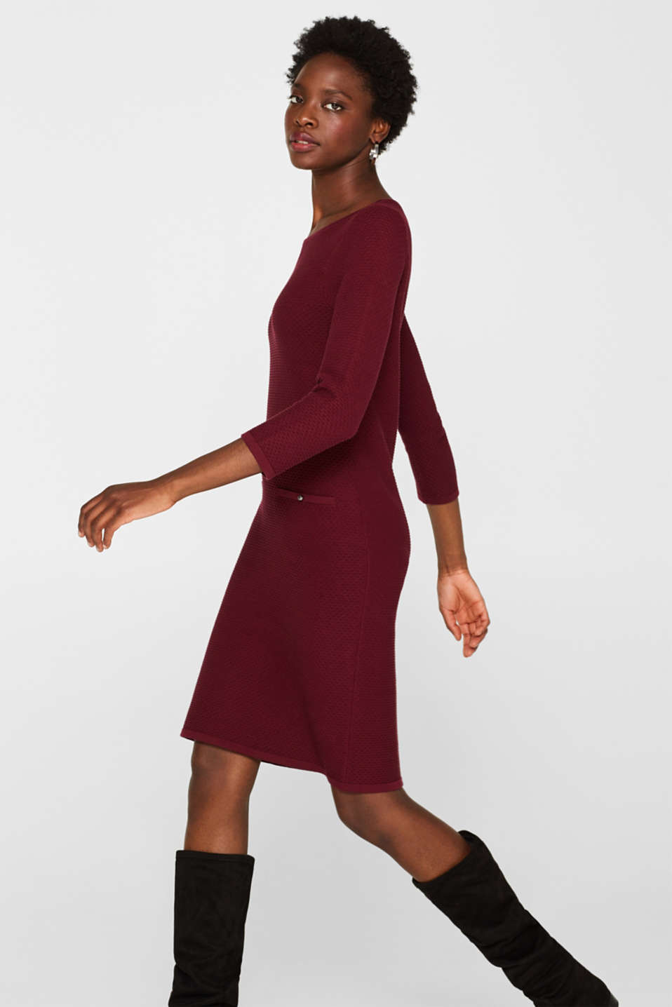 Textured knitted dress with decorative buttons, GARNET RED, detail image number 5