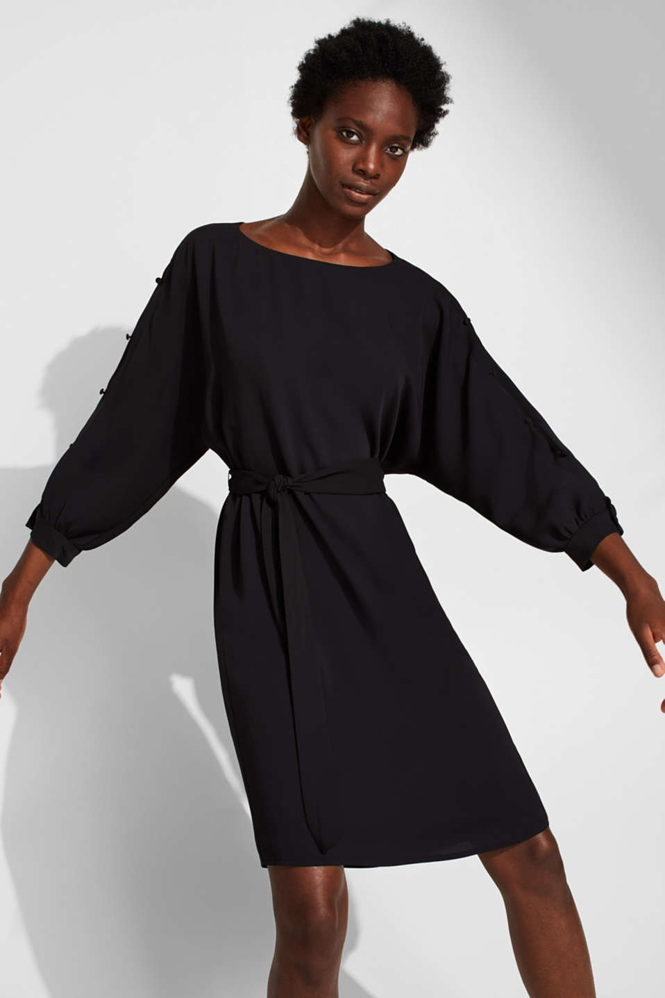 Woven dress with batwing sleeves and a tie-around belt, BLACK, detail image number 0