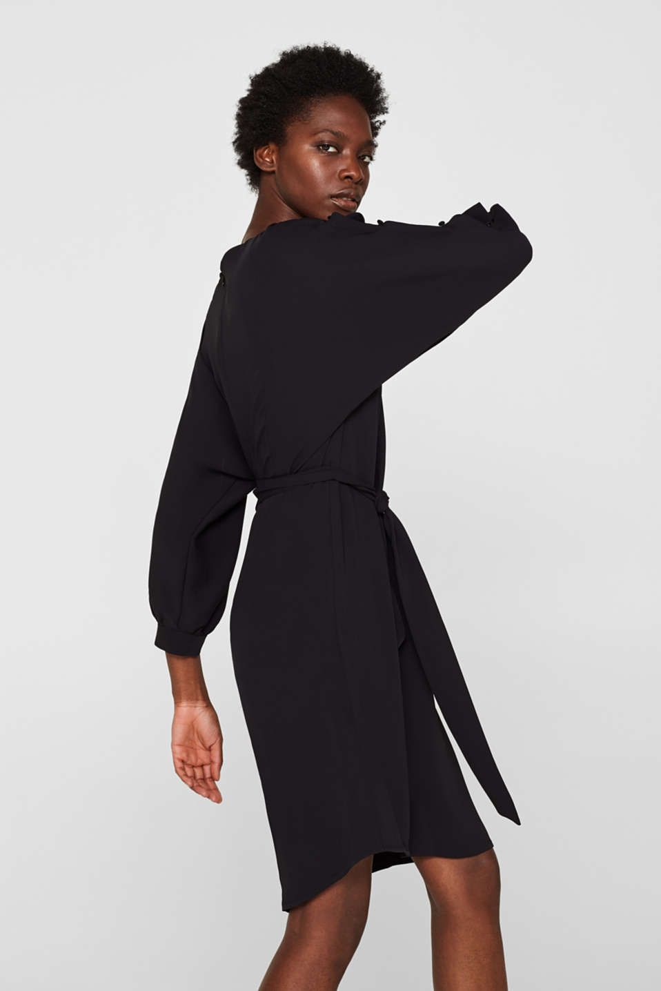 Woven dress with batwing sleeves and a tie-around belt, BLACK, detail image number 5