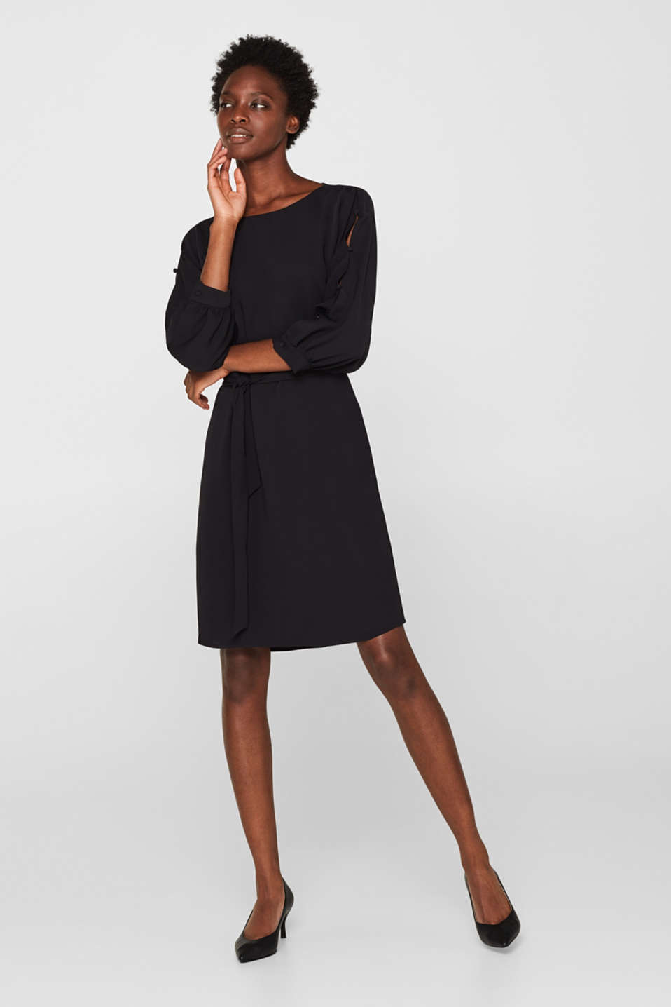 Woven dress with batwing sleeves and a tie-around belt, BLACK, detail