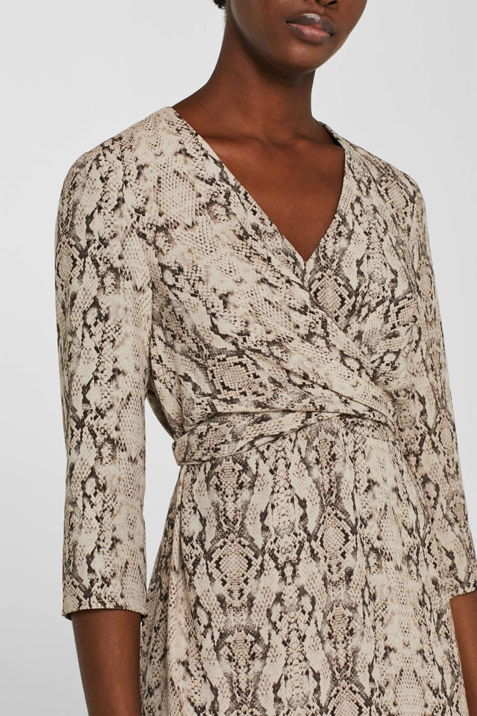 Wrap-over dress with a snake print, TAUPE, detail image number 2