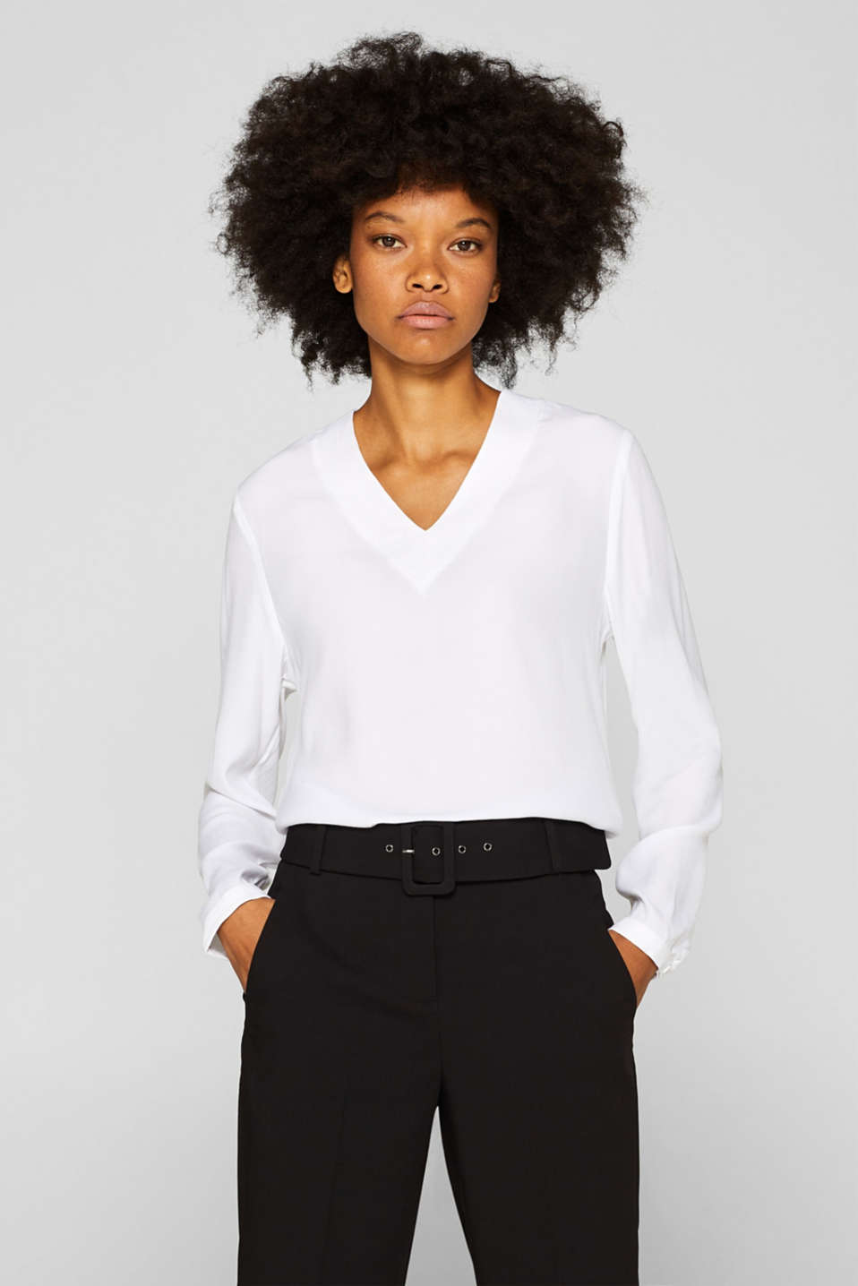 Esprit - Textured blouse with a new V-neckline