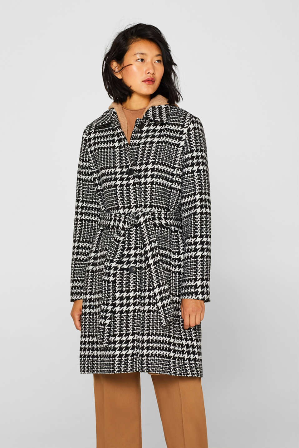 With wool: Coat with a houndstooth check