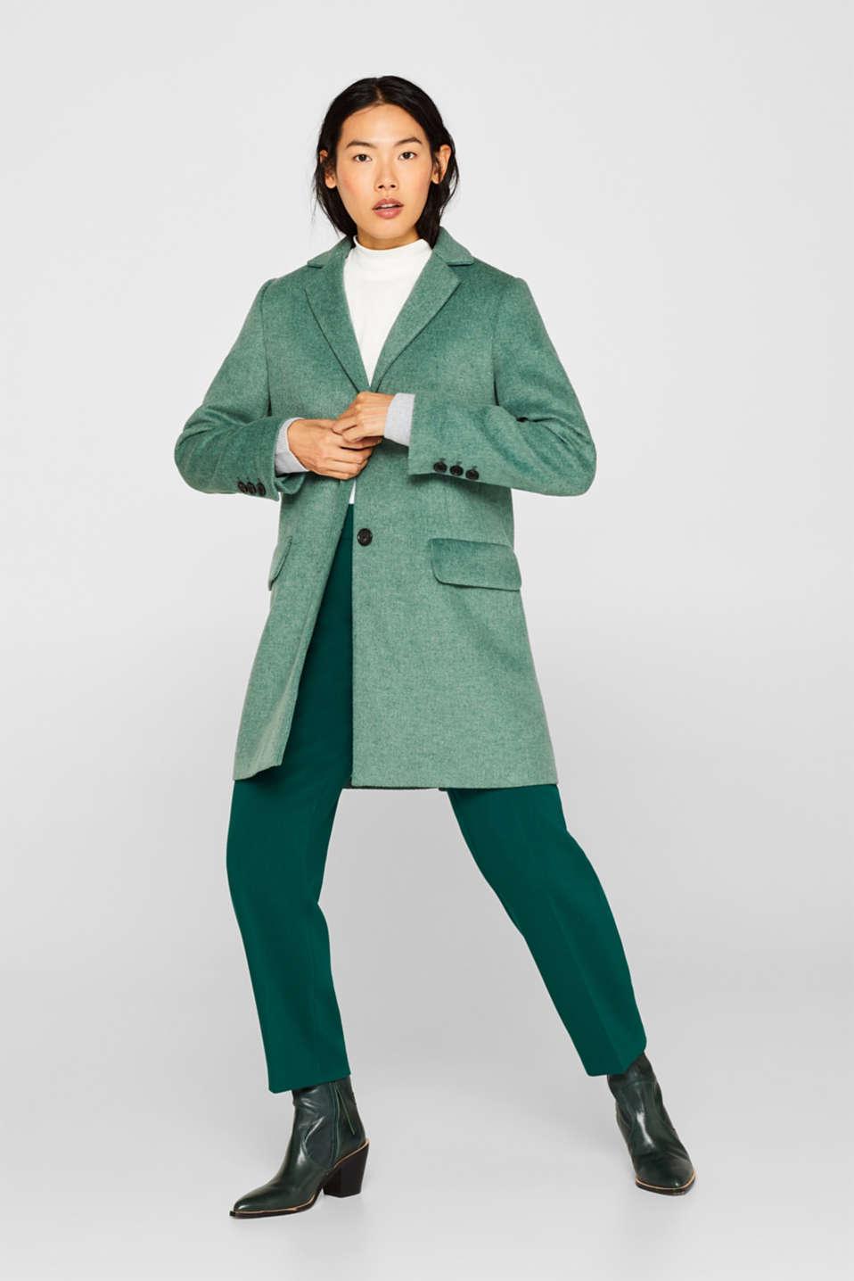 Met wol: getailleerde mantel in blazerstijl