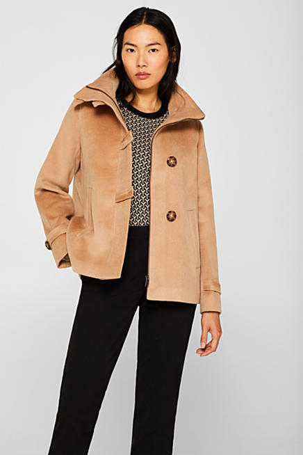 92d1fca3bb381 À teneur en laine : la veste chinée à col montant et coupe trapèze