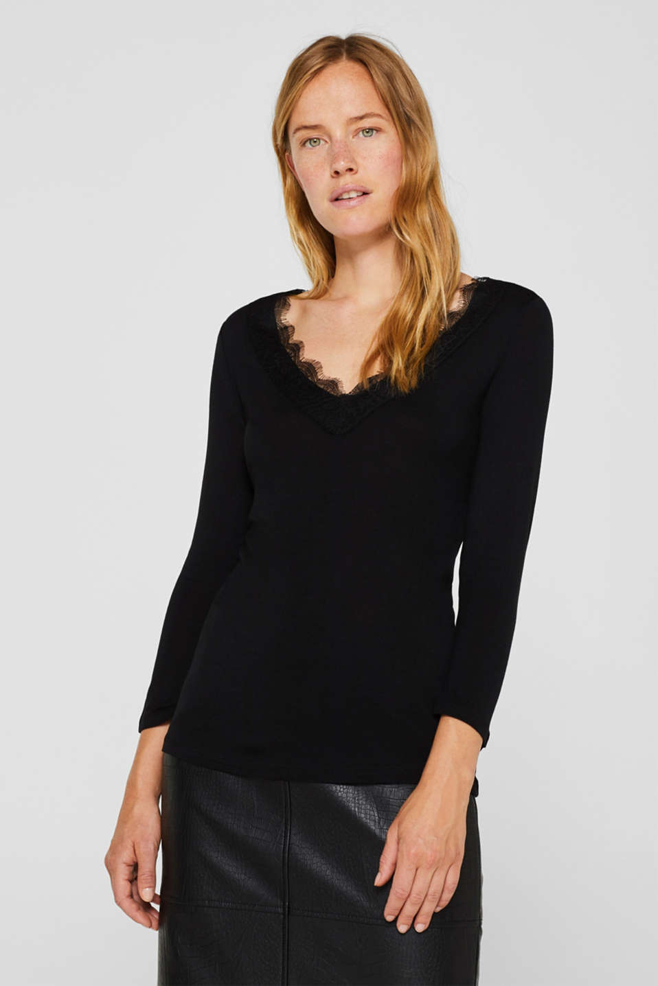 Esprit - T-shirt with lace-trimmed necklines