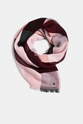 Wool blend: soft check scarf, recycled, RED, detail