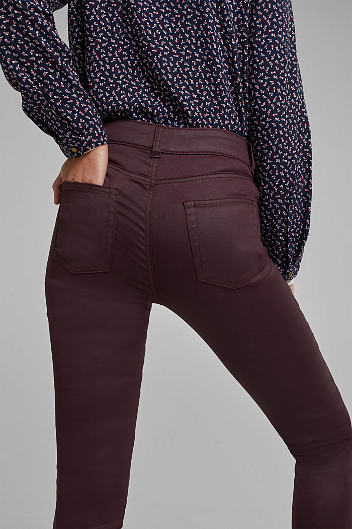 Coated stretch trousers with two buttons, BORDEAUX RED, detail image number 2