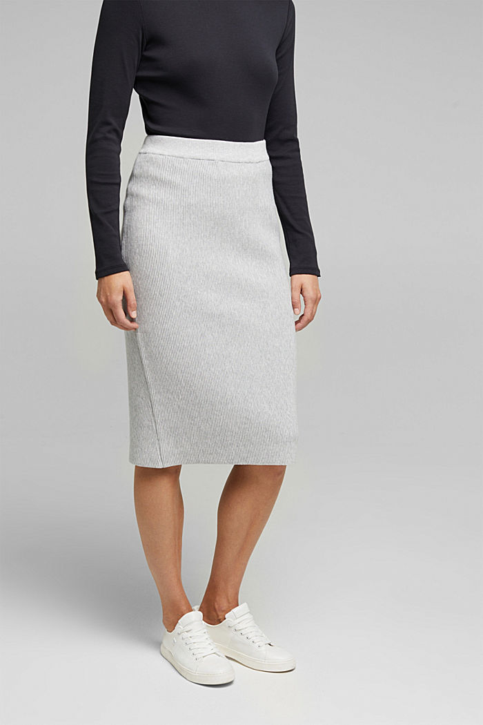 Knit skirt containing organic cotton