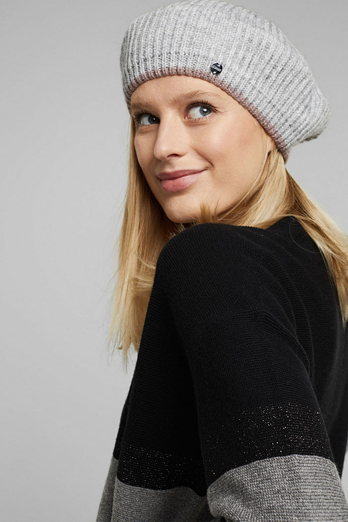 Knit beret with alpaca