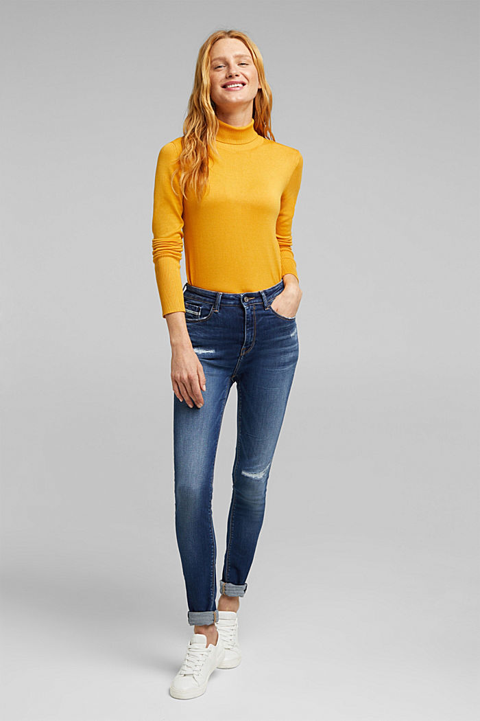 Skinny jeans with added stretch for comfort