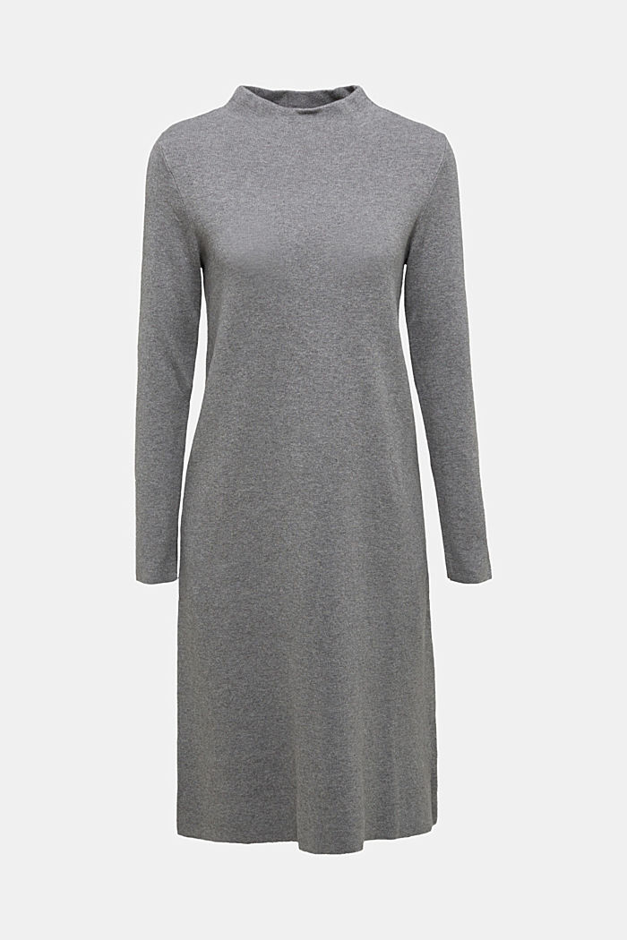 Knitted dress with organic cotton