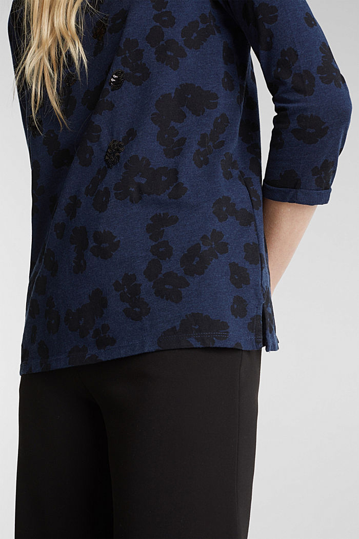 Top with a floral print and sequins, NAVY, detail image number 2