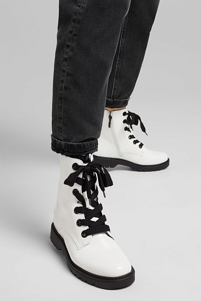 Worker boots in a patent leather look