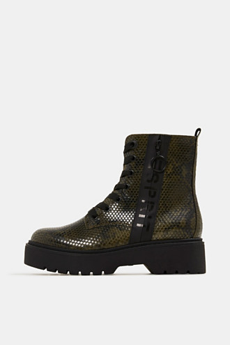Boots in faux reptile leather