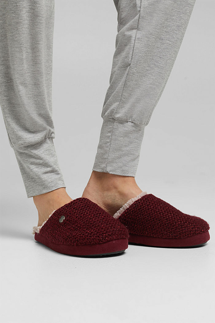 Slippers in a knit look