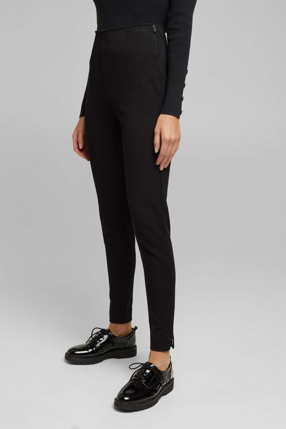 Esprit - Two-way stretch trousers with LENZING™ ECOVERO™