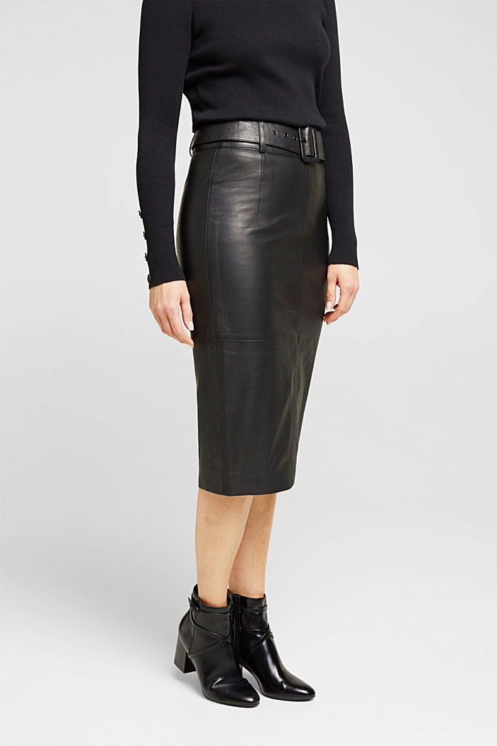 Lamb leather pencil skirt with a belt