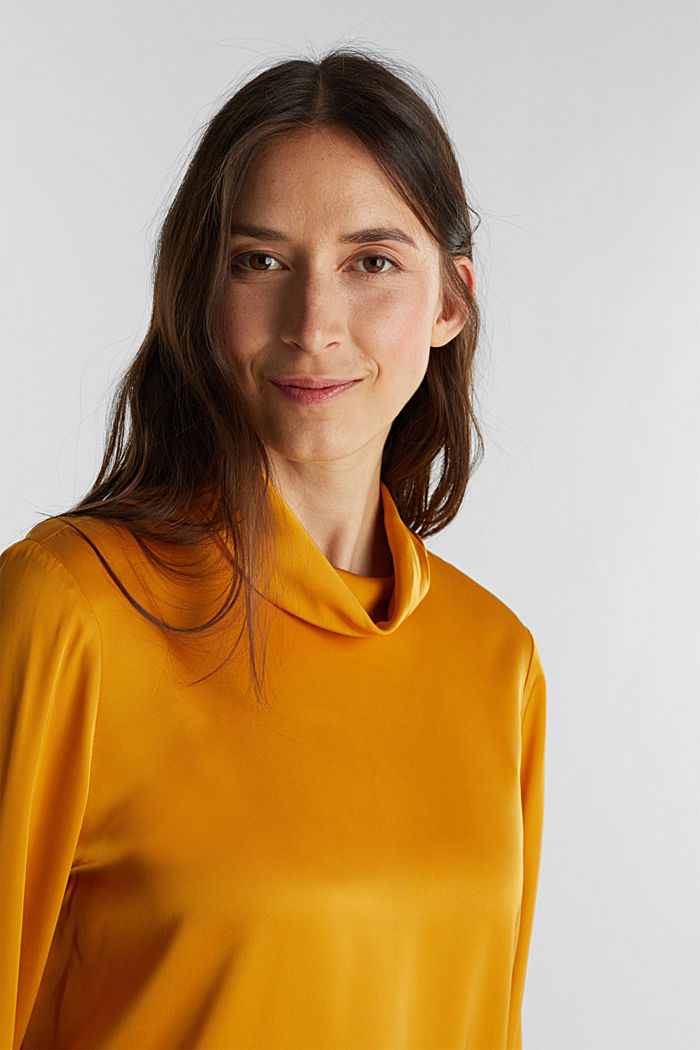 Satin-Bluse aus  LENZING™ ECOVERO™, HONEY YELLOW, overview