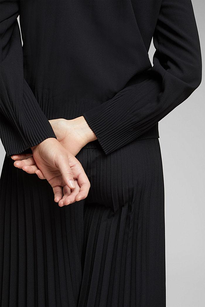 RECYCLÉ: le chemisier moderne à effets plissés, BLACK, detail image number 2