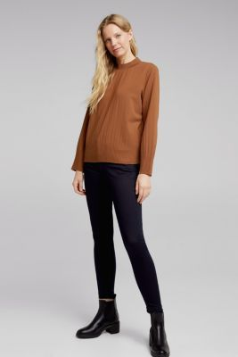 RECYCLED: modern blouse with pleats, TOFFEE, detail