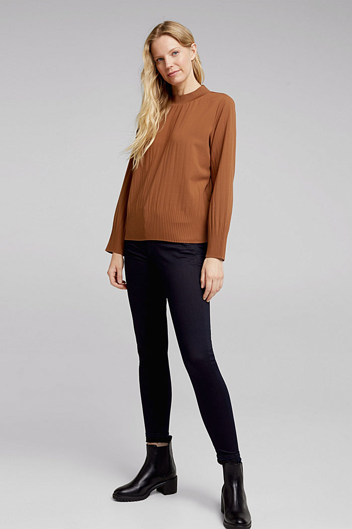 RECYCLED: modern blouse with pleats, TOFFEE, detail image number 1
