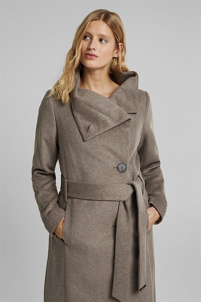 Wool blend: coat with tie-around belt