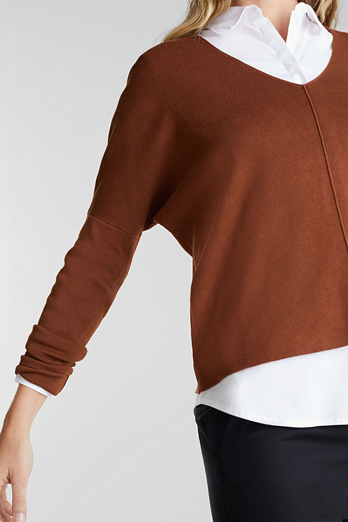 LENZING™ ECOVERO™ jumper with a V-neck, TOFFEE, detail image number 2