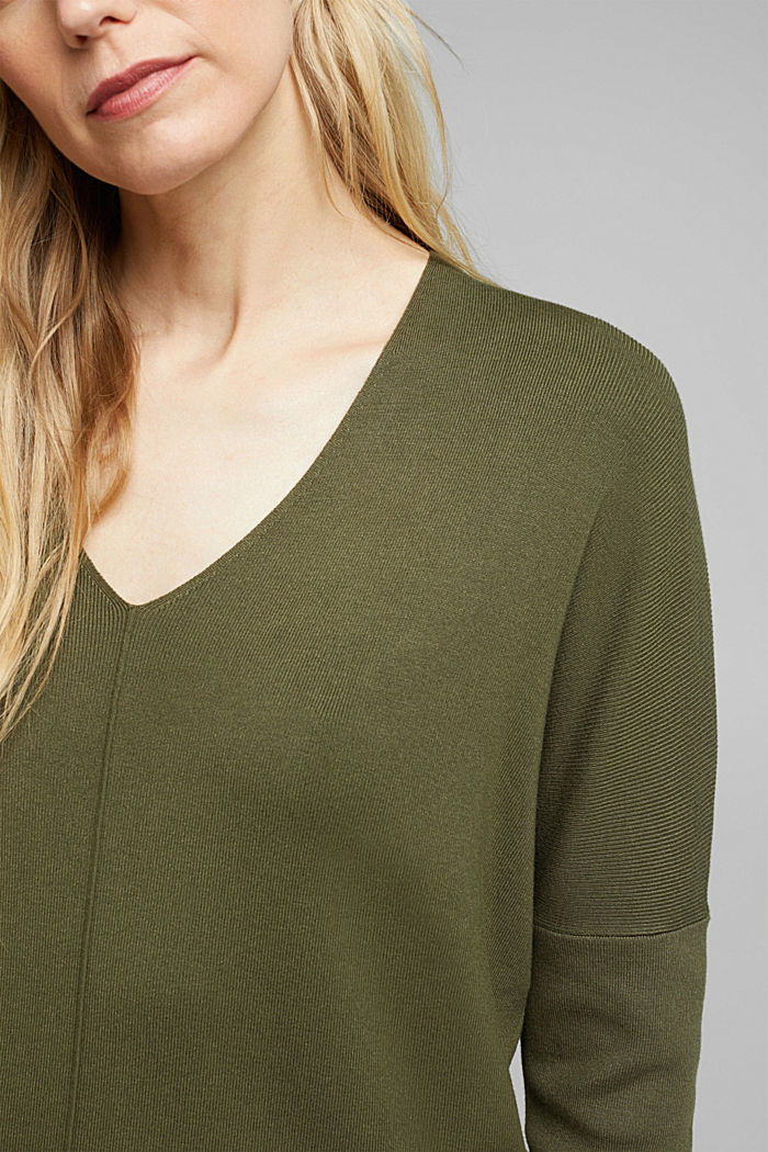 LENZING™ ECOVERO™ jumper with a V-neck, KHAKI GREEN, detail image number 2