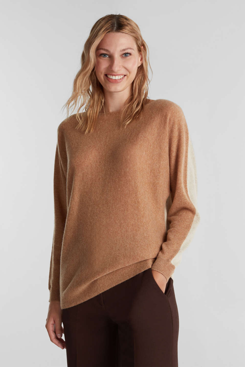 Esprit - 100% cashmere: Jumper with batwing sleeves