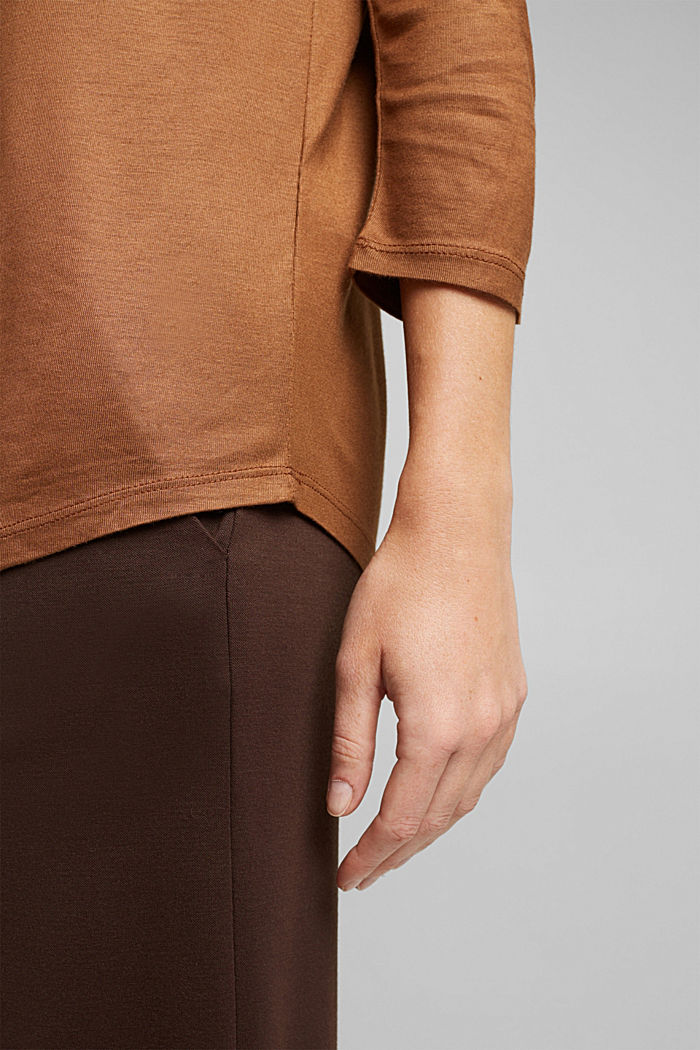 Softly shimmering long sleeve top with a bateau neckline, TOFFEE, detail image number 2