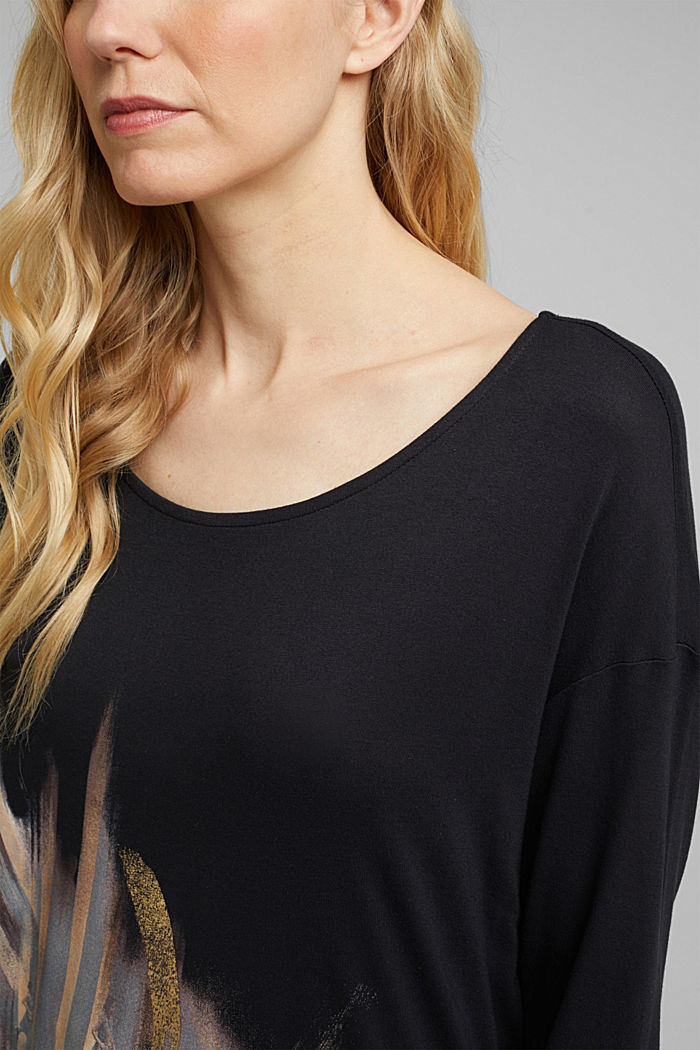 Long sleeve top with an artwork print, LENZING™ ECOVERO™, BLACK, detail image number 2