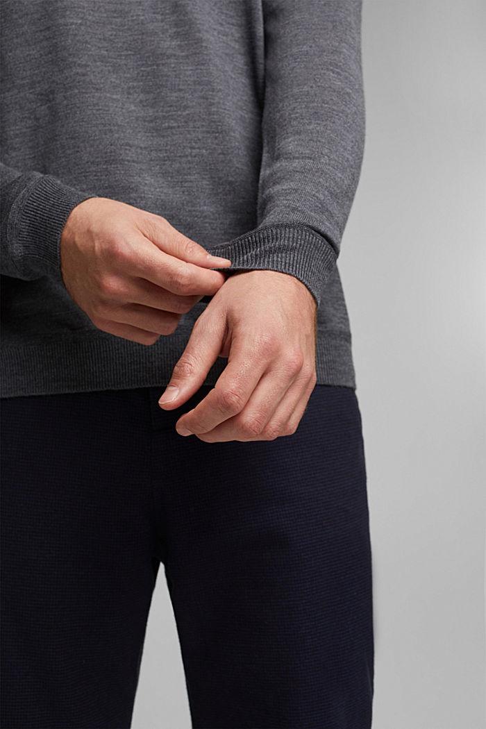 Made of 100% merino wool: crewneck jumper, DARK GREY, detail image number 2