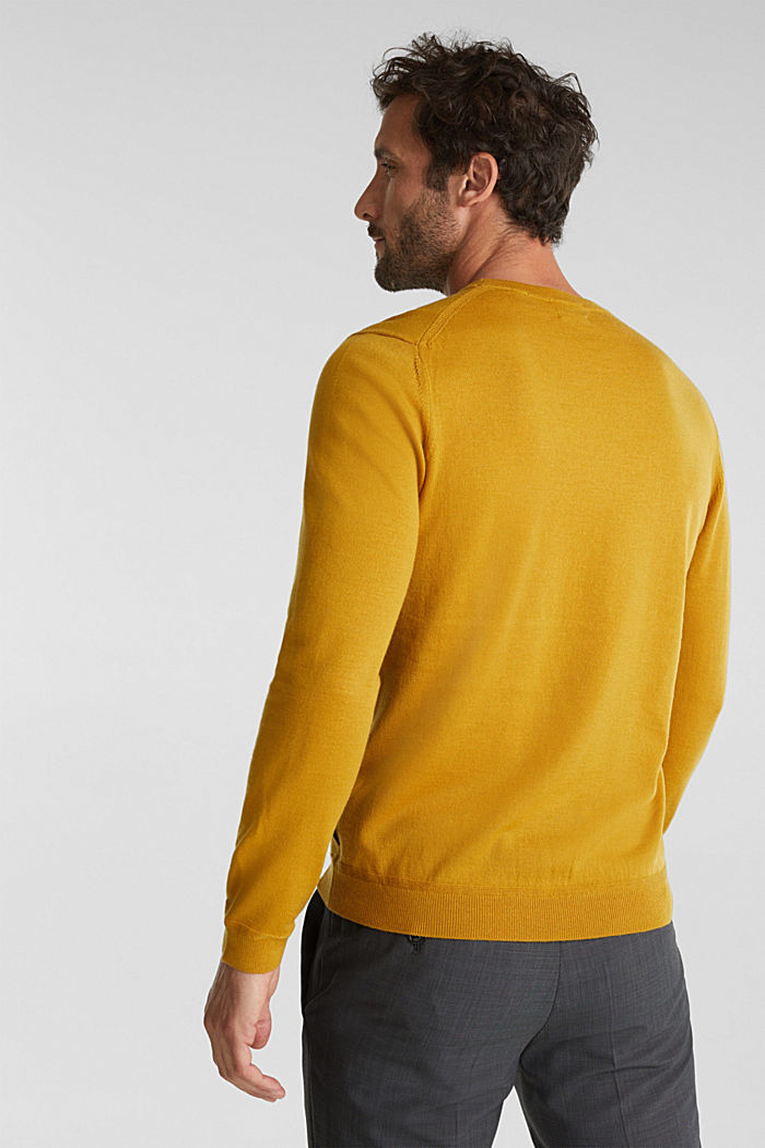 Made of 100% merino wool: crewneck jumper, BRASS YELLOW, detail image number 3