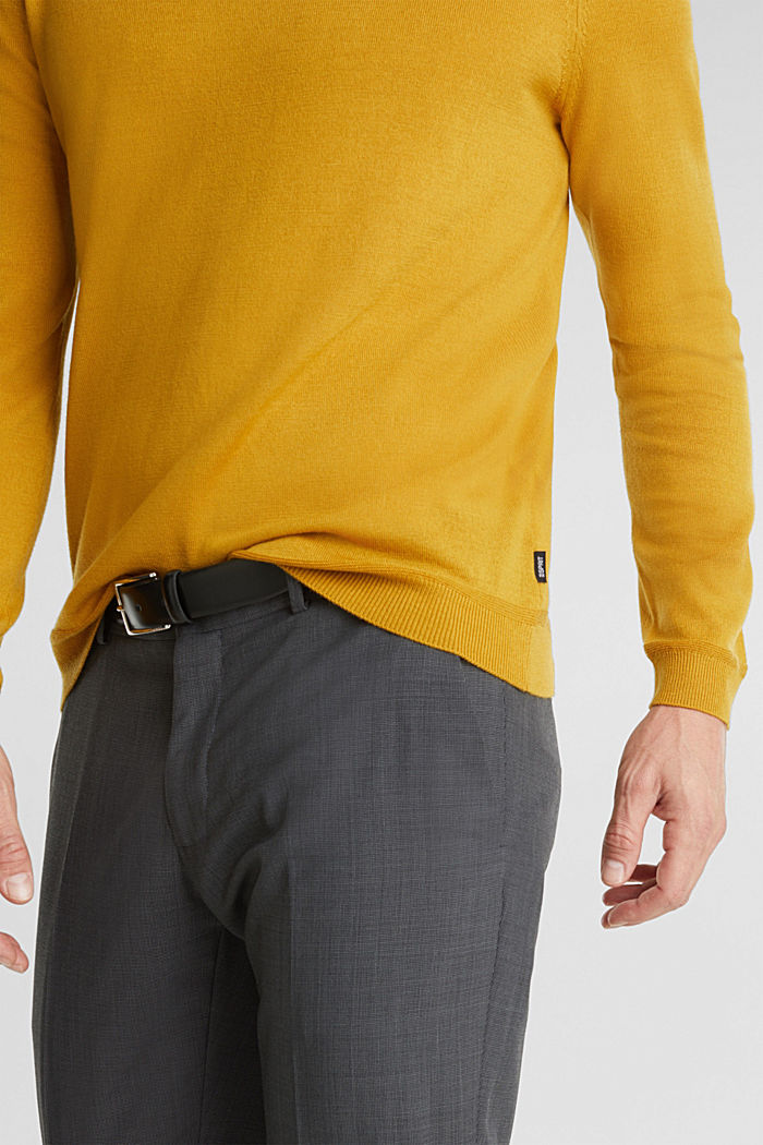 Made of 100% merino wool: crewneck jumper, BRASS YELLOW, detail image number 2