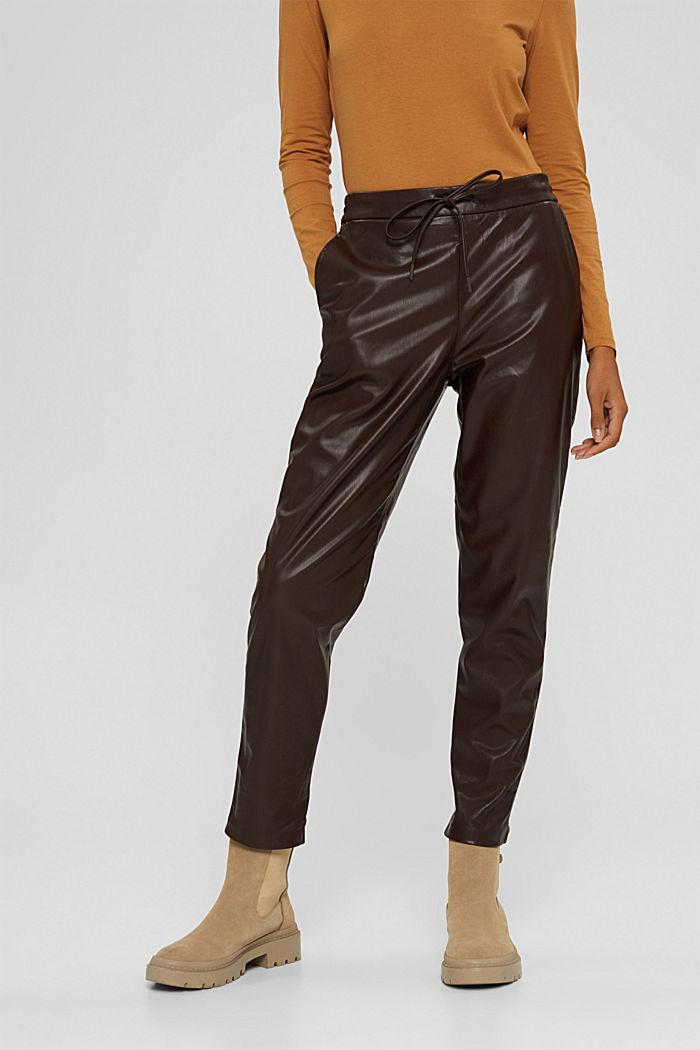 Pantalon de jogging en similicuir, muni d'une taille à cordon de serrage, BROWN, detail image number 0