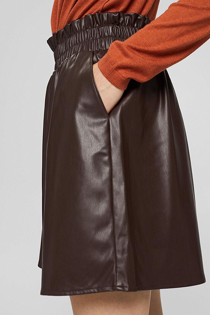 Mini-jupe en similicuir à taille smockée, BROWN, detail image number 2