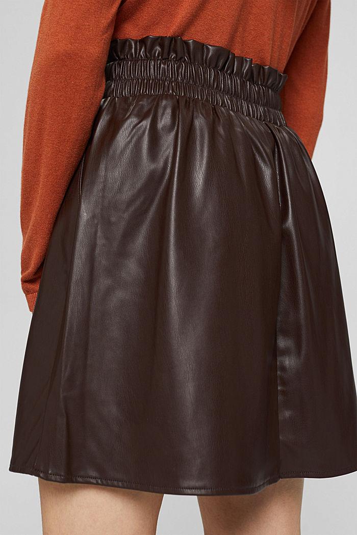 Mini-jupe en similicuir à taille smockée, BROWN, detail image number 5