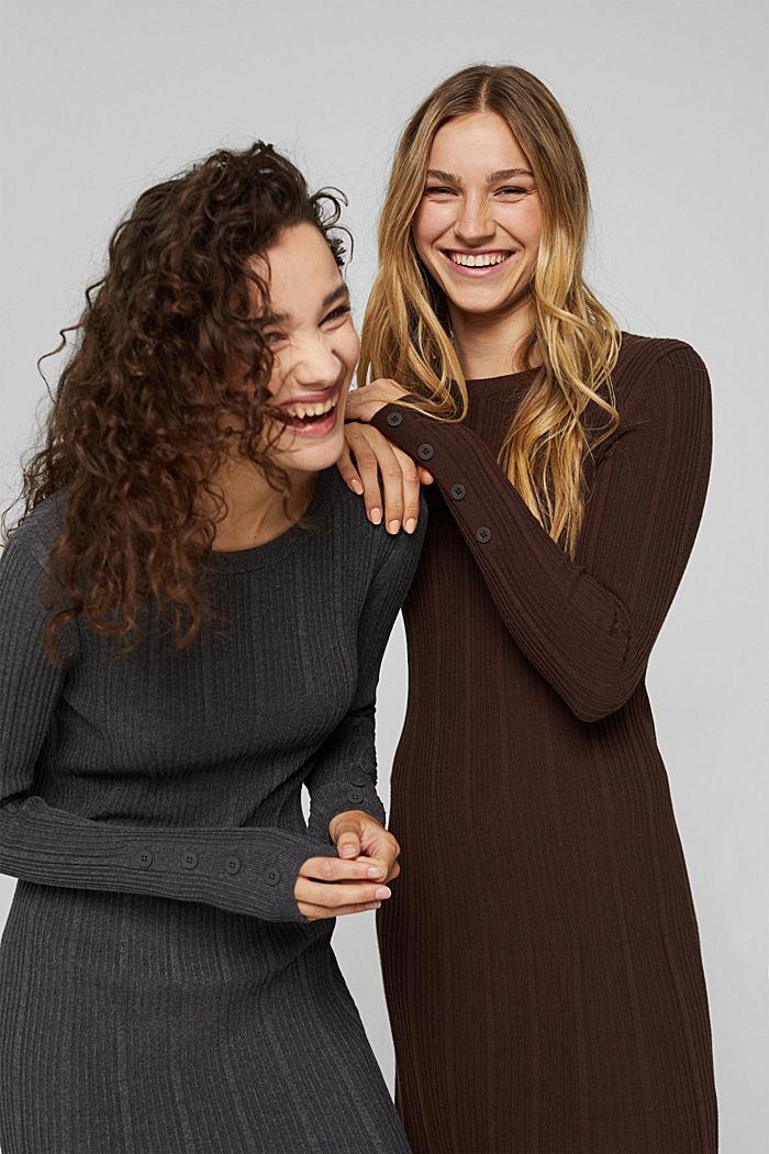 Tailliertes Rippstrick-Kleid, 100% Baumwolle
