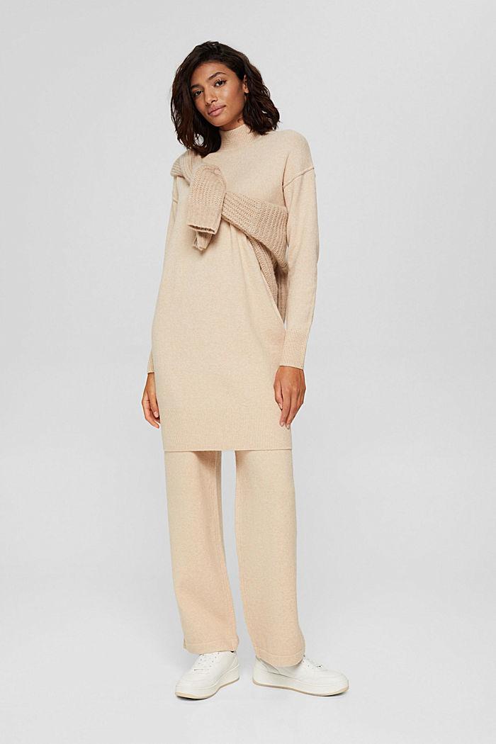 À teneur en laine: la robe-pull à épaules tombantes