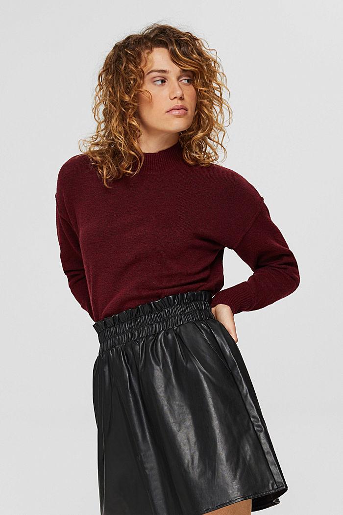 Mit Wolle: Pullover mit Inside-Out-Nähten