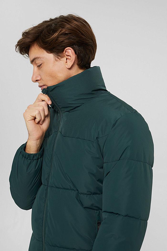 En matière recyclée: la veste matelassée texturée