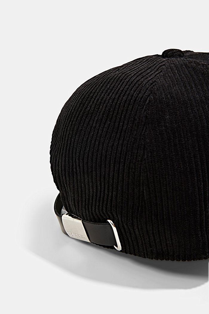 Casquette de base-ball ornée d'un patch en velours côtelé