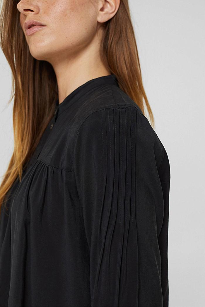 Shiny Henley-Bluse mit LENZING™ ECOVERO™, BLACK, detail image number 2