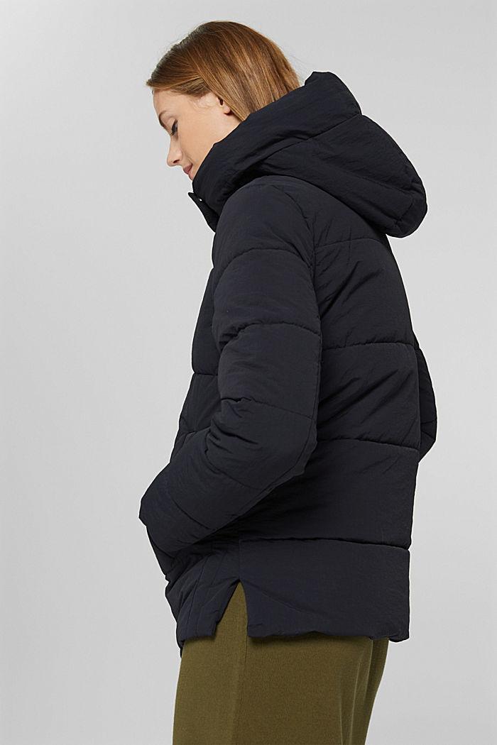 En matière recyclée: la veste matelassée froissée à capuche, BLACK, detail image number 5