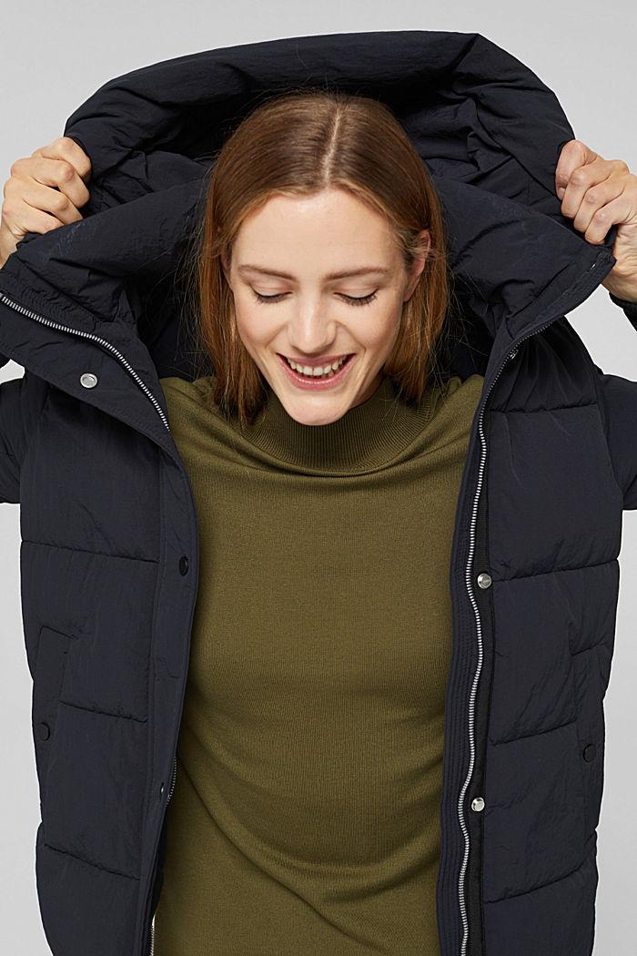 En matière recyclée: la veste matelassée froissée à capuche, BLACK, detail image number 6