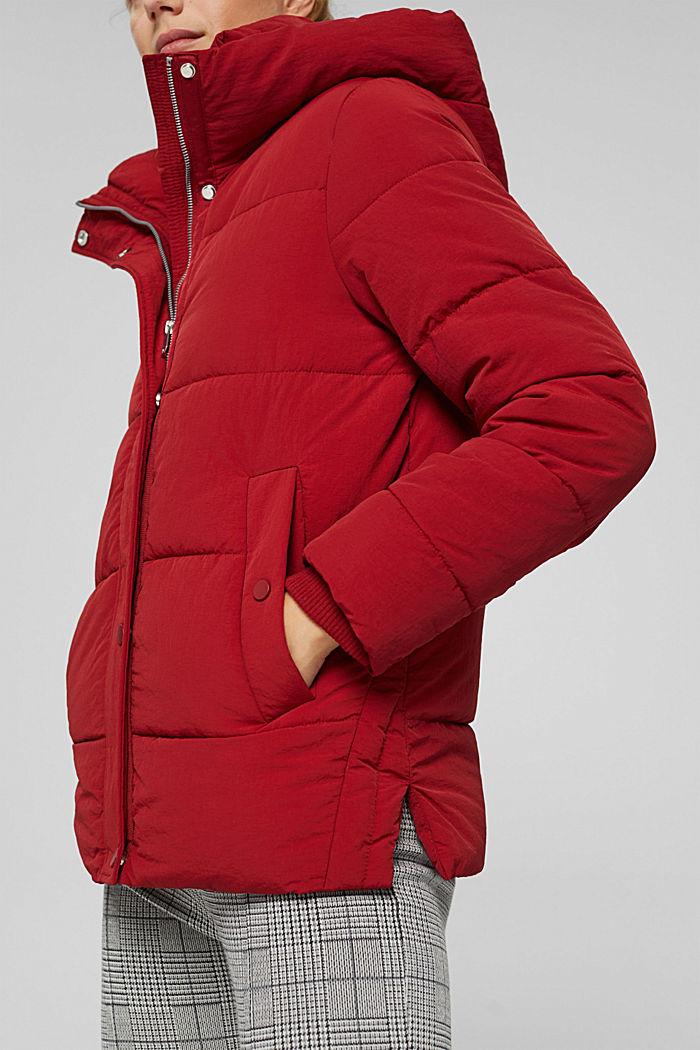 Reciclada: cazadora acolchada con capucha y acabado arrugado, DARK RED, detail image number 2