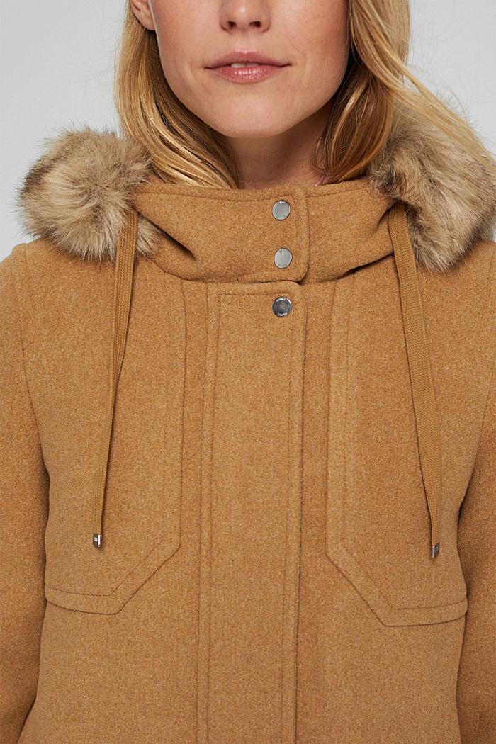 Met wol: mantel met imitatiebont in de capuchon, CAMEL, detail image number 2