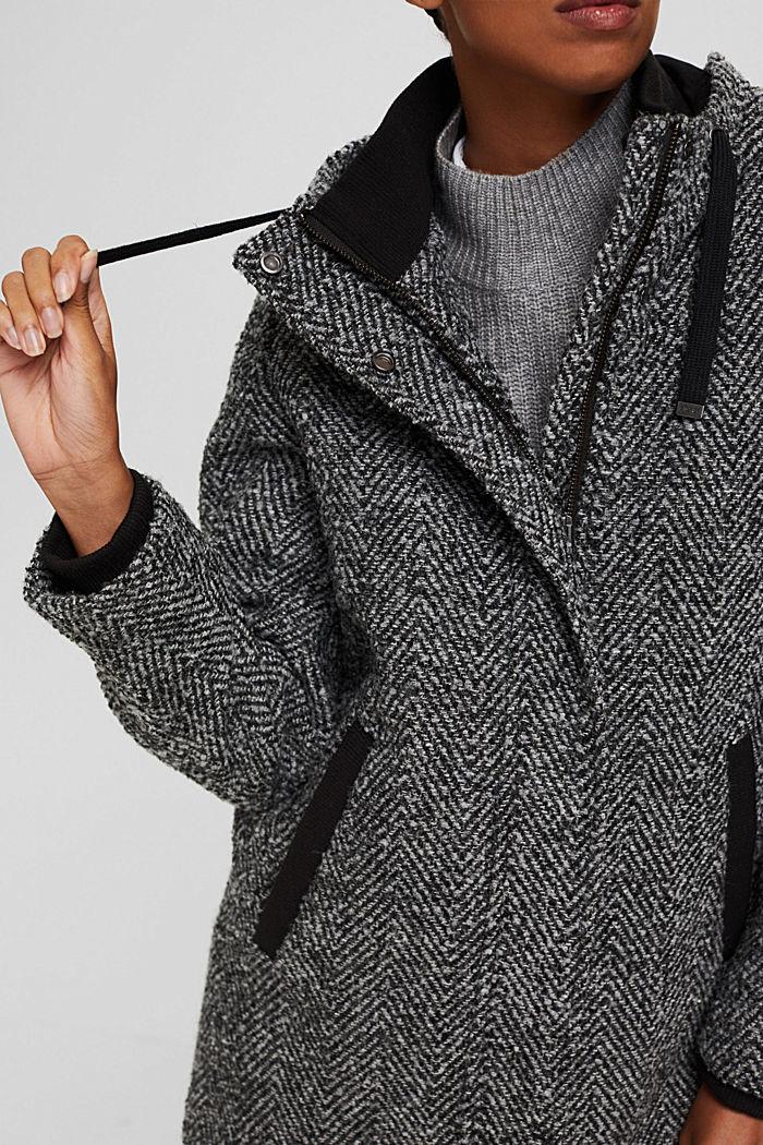 À teneur en laine recyclée: le manteau à chevrons à capuche, ANTHRACITE, detail image number 2