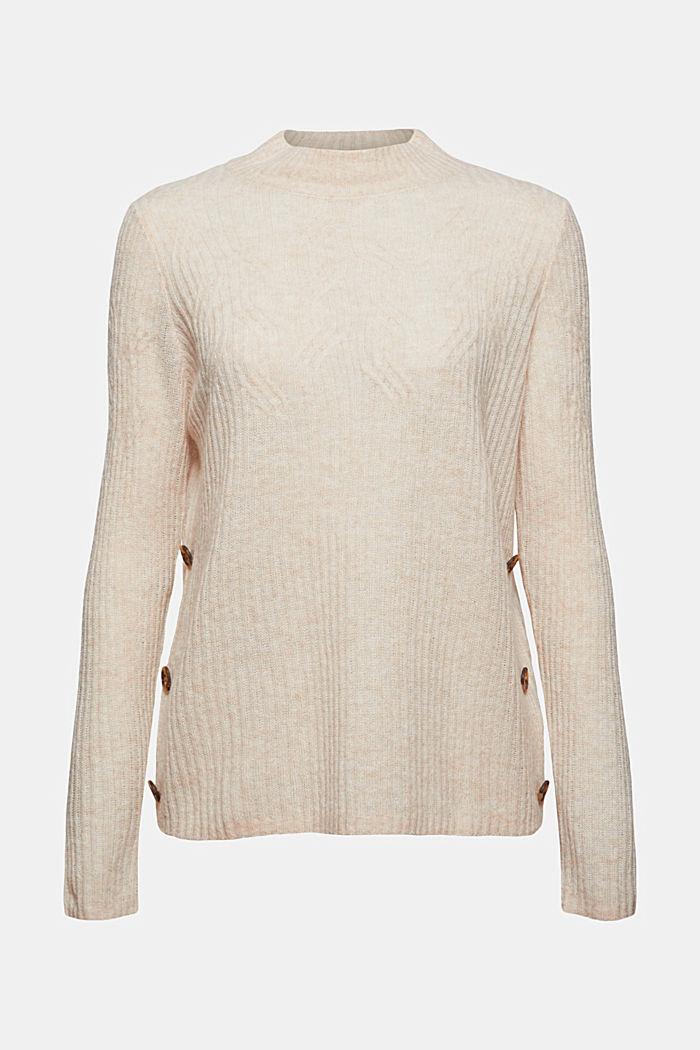Mit Wolle: Pullover mit Zopfmuster